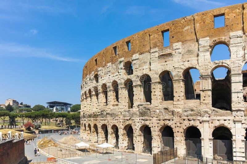 Outside widok Colosseum w mieście Rzym, Włochy zdjęcia royalty free