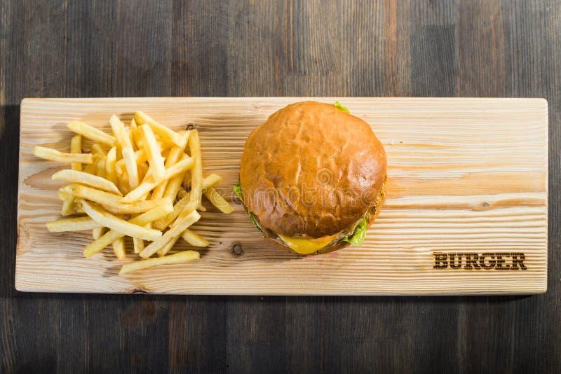 Ouvrage de l'hamburger photographie stock libre de droits