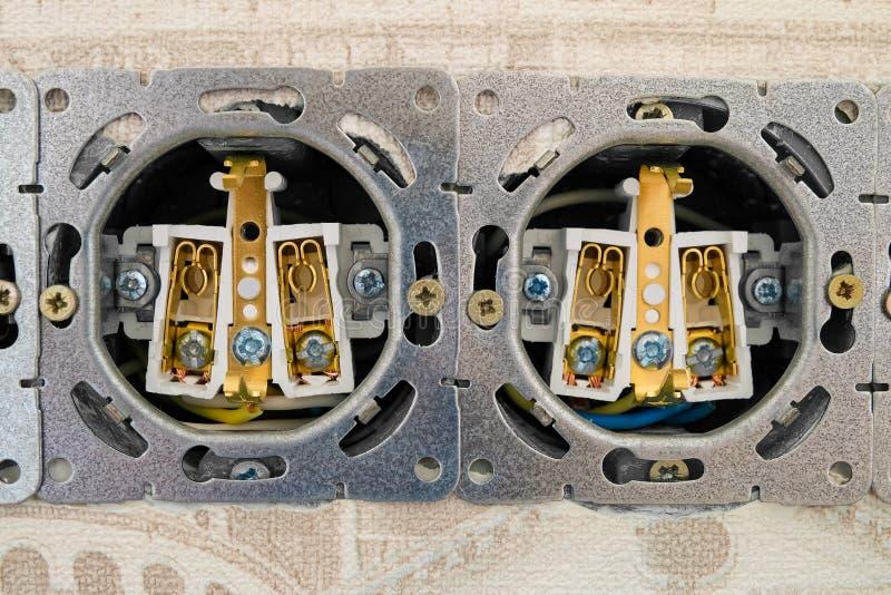 Download Ouvrez La Bande De Prises électriques Photo stock - Image du électrification, electrical: 76075518