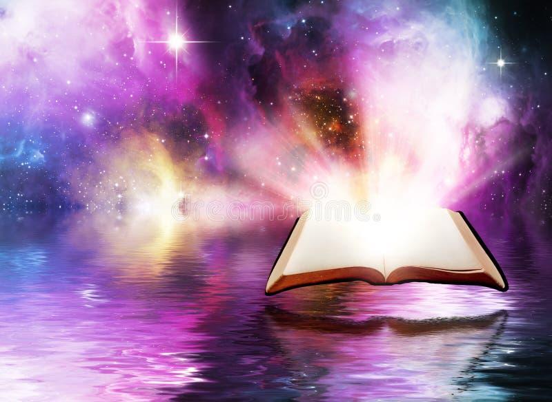 Ouvrez la bible avec le fond de l'espace photo libre de droits