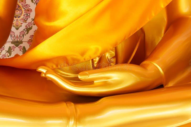 Ouvrez la main de paume de la statue de Bouddha photos stock