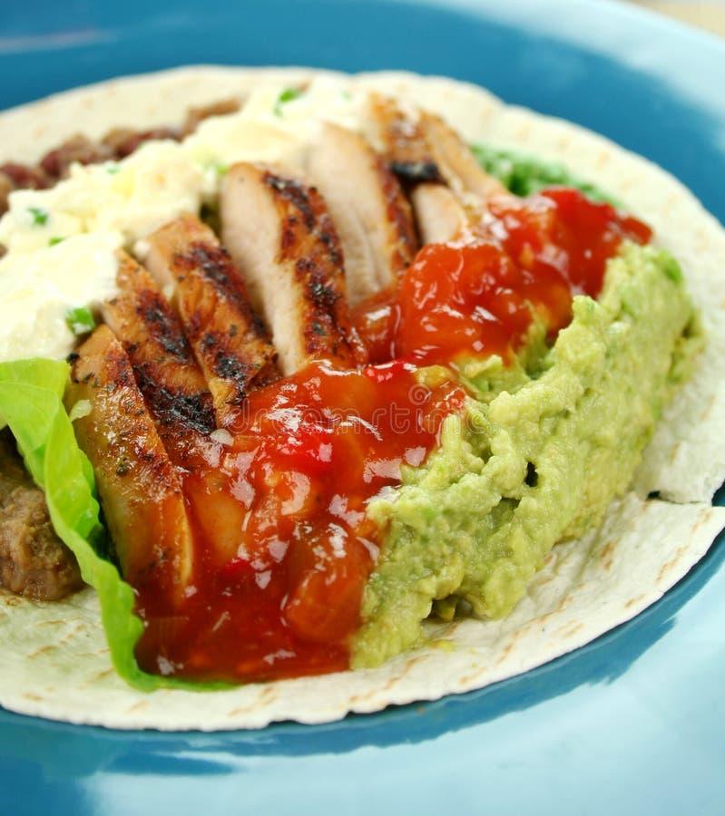 Ouvrez la tortilla de poulet photographie stock libre de droits