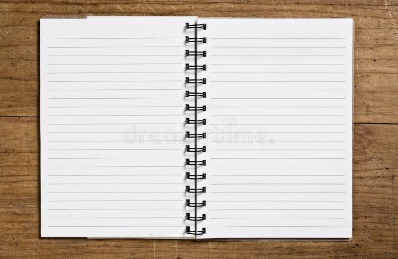Ouvrez le carnet de notes à spirale photographie stock libre de droits