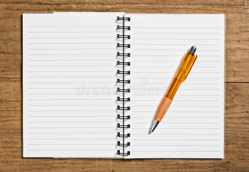 Ouvrez le carnet de notes à spirale. image libre de droits