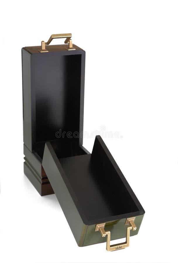 Ouvrez le cercueil de souvenir sur un fond blanc images libres de droits