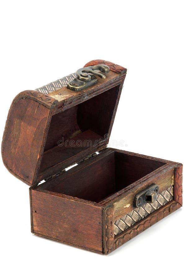 Ouvrez le coffre en bois photo libre de droits