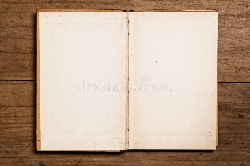 Ouvrez le livre de cru. images libres de droits