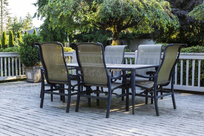 Ouvrez le patio pendant l'été photo stock