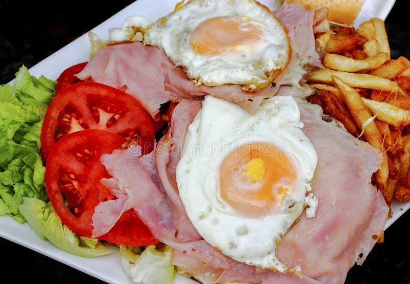 Ouvrez le sandwich à oeufs de visage en Amérique du Sud image stock