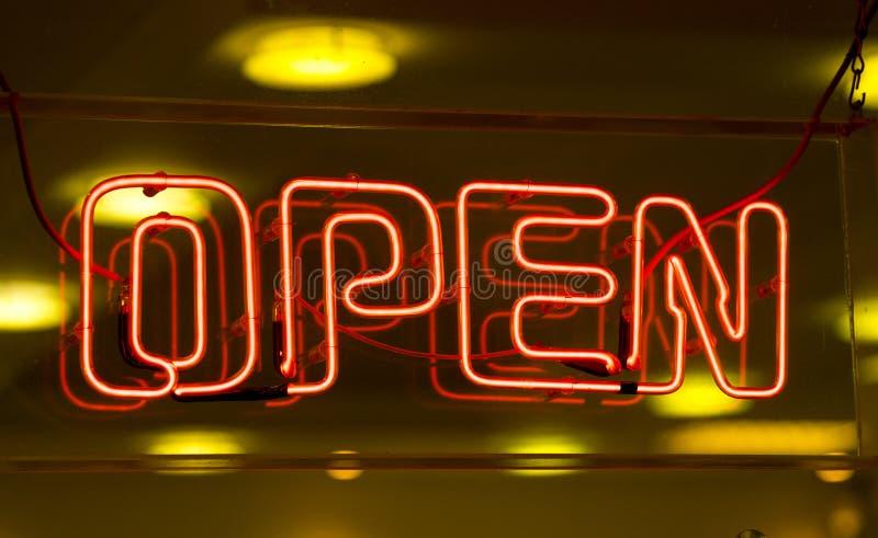 Ouvrez le signe images stock