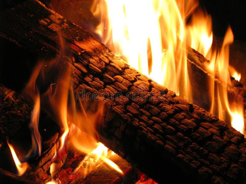 Ouvrez une session un incendie photographie stock libre de droits