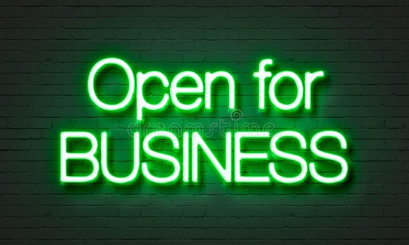 Ouvrez-vous pour l'enseigne au néon d'affaires sur le fond de mur de briques images libres de droits