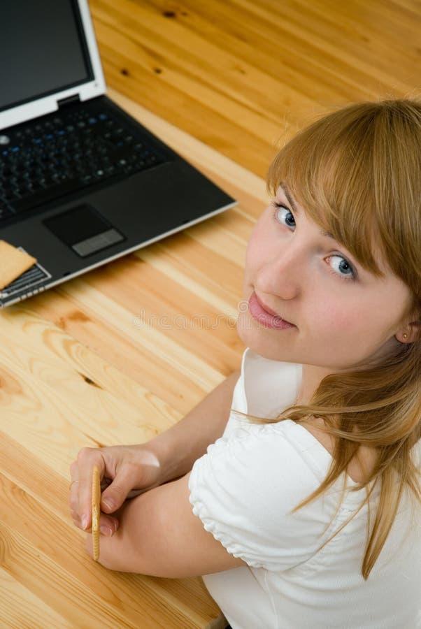 Ouvrier d'ordinateur image libre de droits