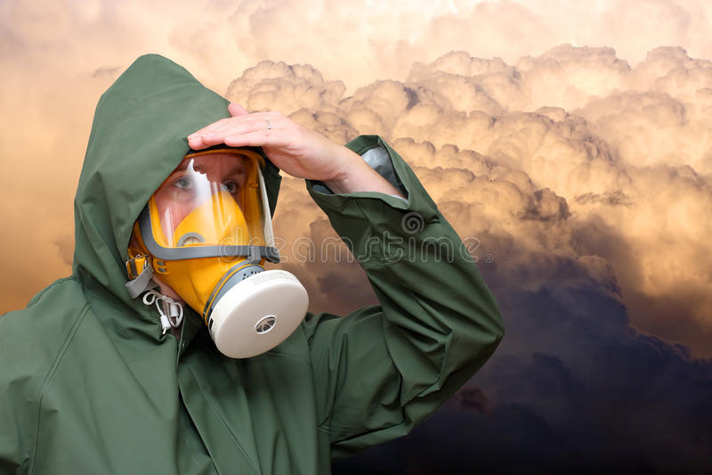 Ouvrier dans le masque de gaz photos libres de droits