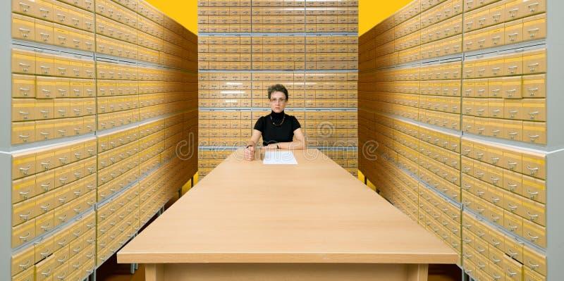 Ouvrier des archives photographie stock libre de droits