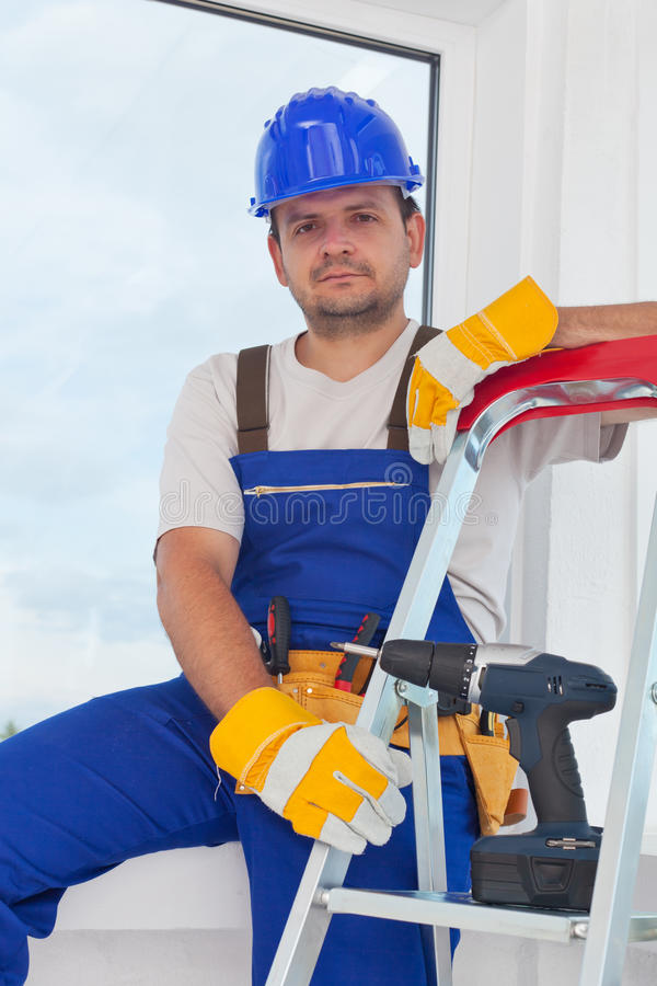 Ouvrier sur la rupture bien méritée photos stock