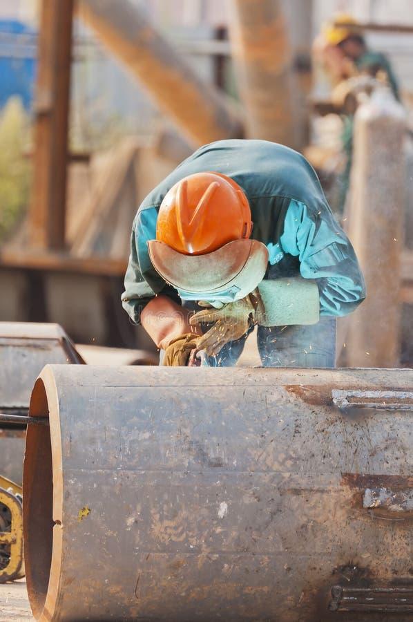 Ouvrier sur la soudure photo libre de droits