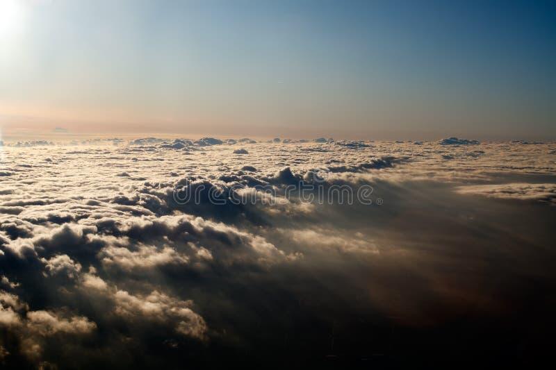 ovanför den flyg- filten clouds sikt arkivbilder
