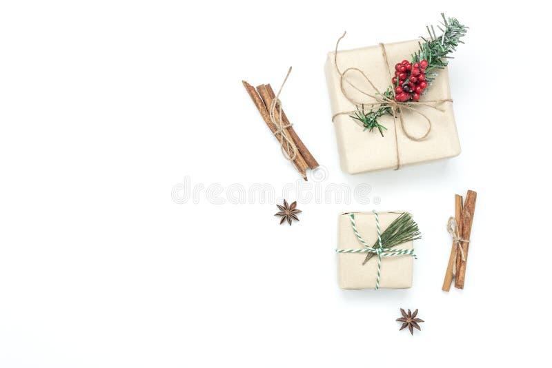 Ovanför flyg- bild för sikt av prydnader & glad jul för garneringar royaltyfri fotografi