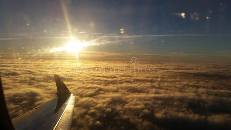 Ovanför himlarna royaltyfri fotografi