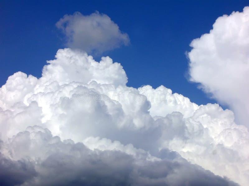 ovanför skyen arkivbild