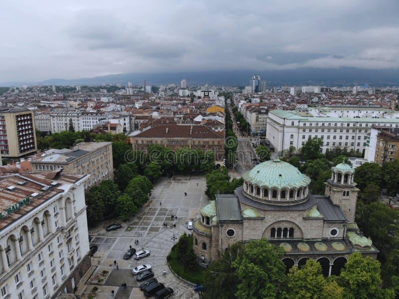 ovanf?r sikt Stor huvudstad av Bulgarien, pärla av Balkans - Sofia Ställe av kultur, religionen och traditioner flyg- alps coast  arkivfoton