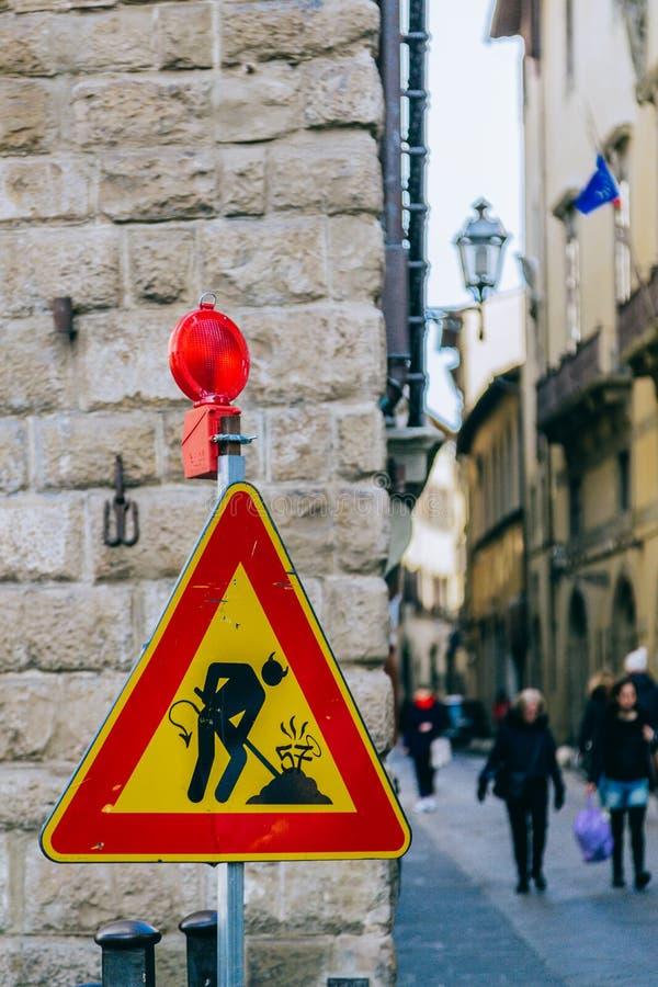 Ovanligt vägmärke i Florence royaltyfri fotografi