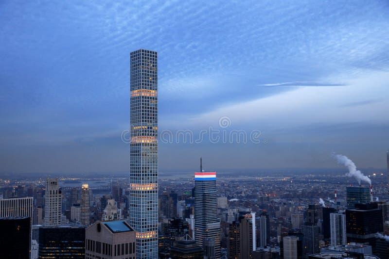 Ove da opinião do panorama da skyline do por do sol de Manhattan do Midtown de New York City imagem de stock