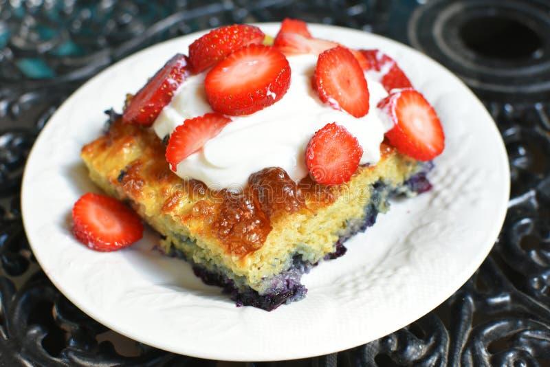 Oven Baked Blueberry Pancake royalty-vrije stock afbeelding