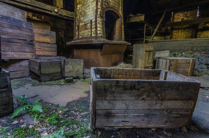 ovens en dozen in een gieterij royalty-vrije stock foto's