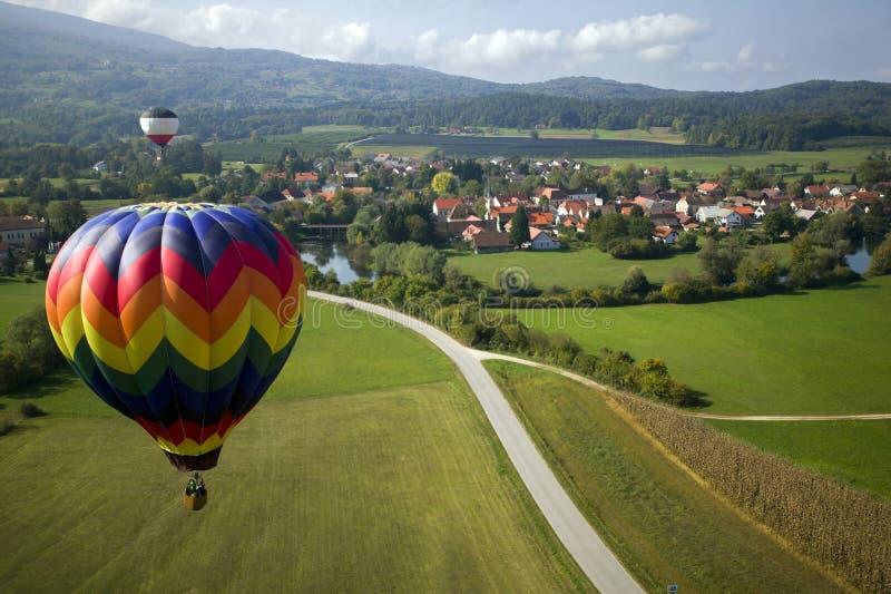 Over de gebieden en het dorp royalty-vrije stock foto