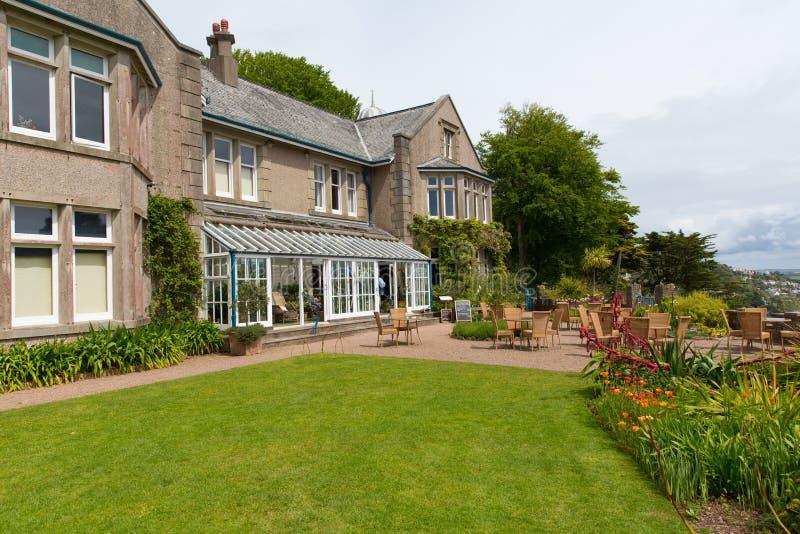 Overbecks Edwardian hus ett museum och trädgårdar i Salcombe Devon England UK en turist- dragning arkivfoto