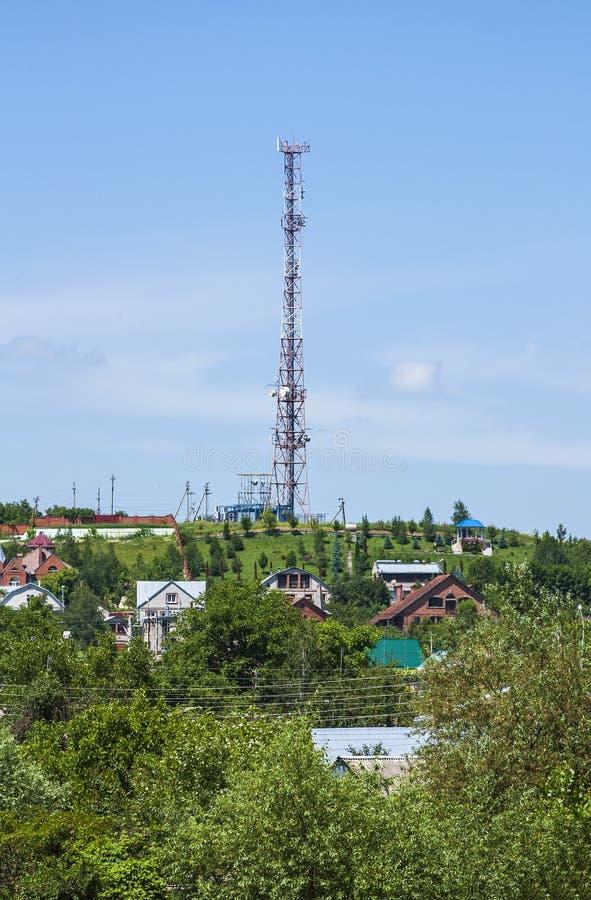 Overbrengend toren voor het vestigen van cellulaire mededeling in de regeling stock foto's