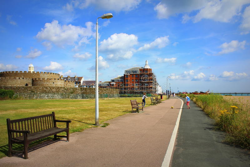 Overeenkomst-Walmer promenade Kent England stock fotografie