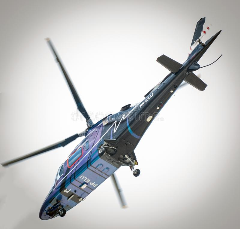 Overflight no aeroporto dos congonhas do helicóptero de São Paulo Brazil fotografia de stock royalty free