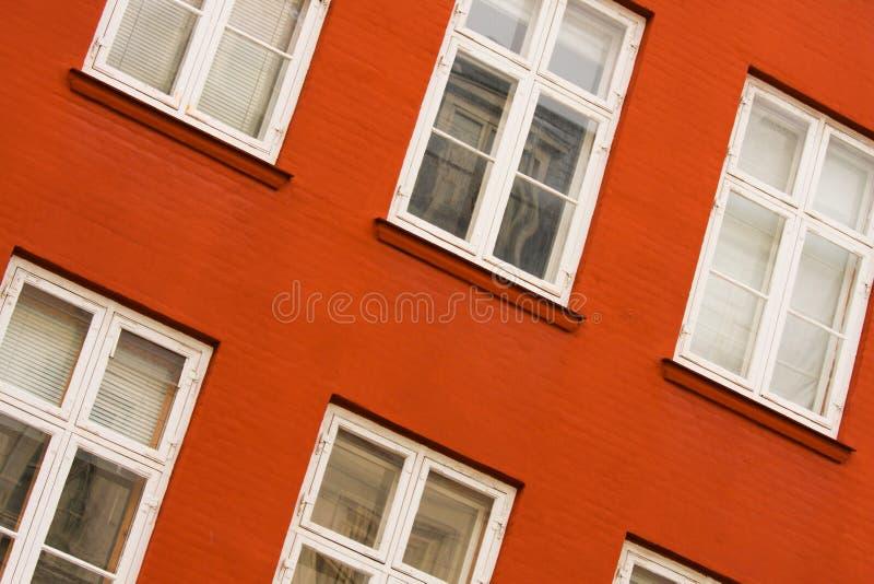 Overgehelde vensters royalty-vrije stock afbeelding