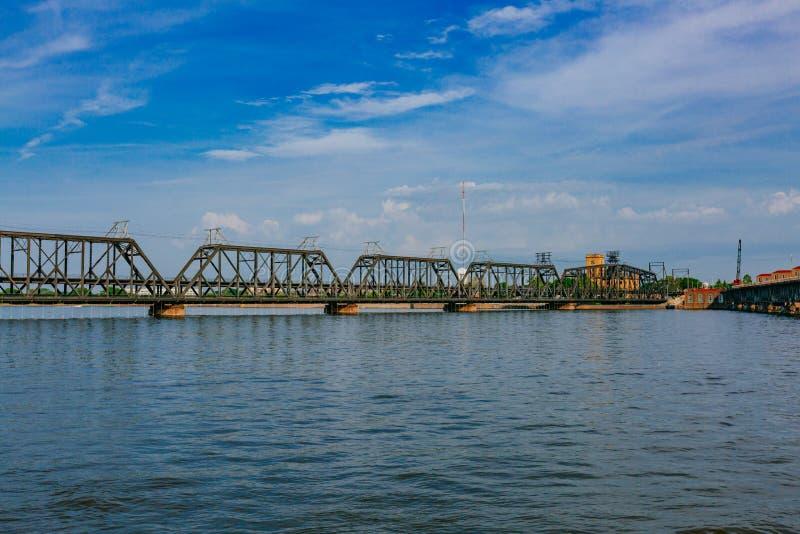 Overheidsbrug over de Rivier van de Mississippi in Davenport, Iowa, de V.S. stock fotografie