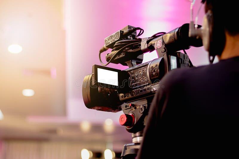 Overing sull'evento con un video fotografie stock libere da diritti