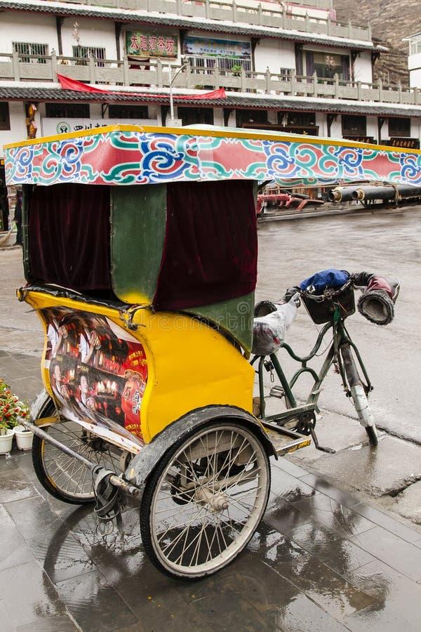 Overladen Chinese Cyclusriksja stock foto