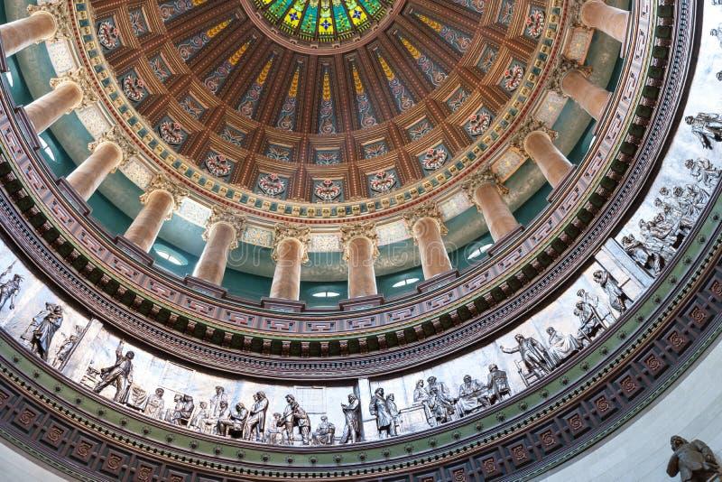 Overladen koepel binnen de hoofdbouw van de staat, Springfield, Illinois stock foto
