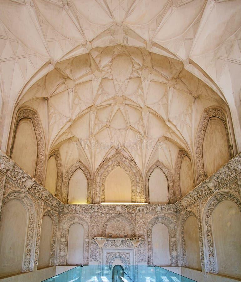 Overladen ruimte van het Historische Huis van Borujerdi, Kashan, Iran royalty-vrije stock afbeeldingen