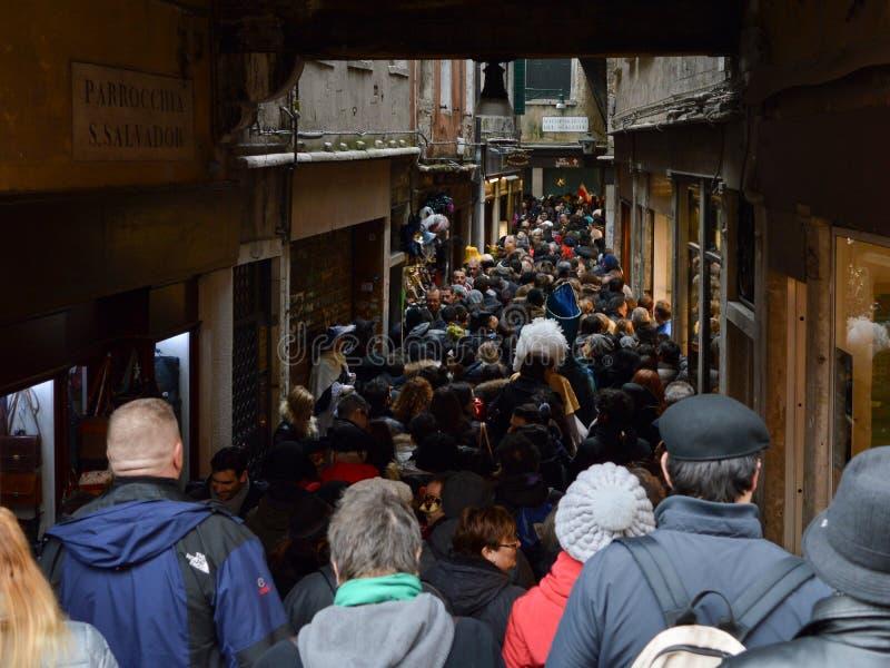 Overladen straat in Venetië royalty-vrije stock foto