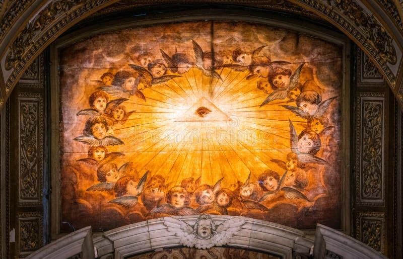 Overladen venster in baptistery van de Basiliek van Santa Maria Maggiore in Rome, Itali? royalty-vrije stock afbeelding
