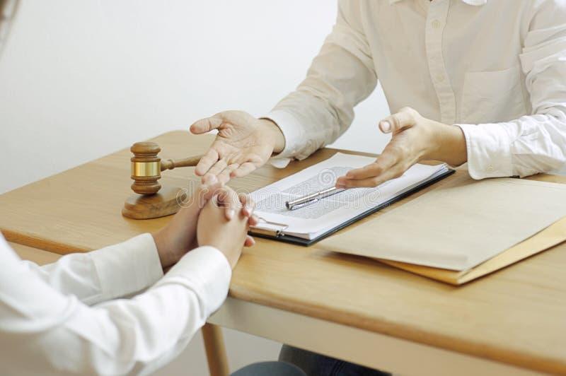 Overleg voor advocaten en samenwerking tussen bedrijven royalty-vrije stock afbeelding