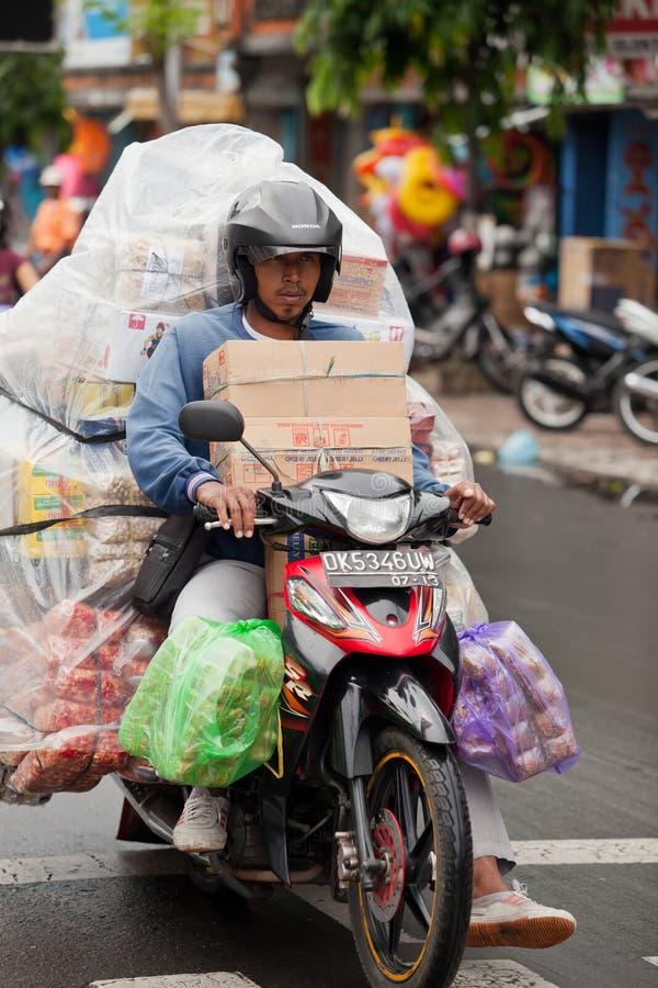 overloaded motorcykel royaltyfri bild