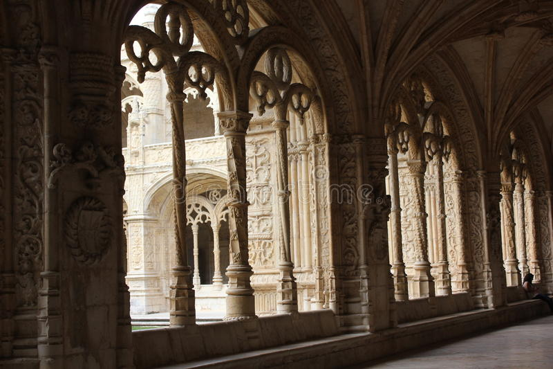 Overspannen venster van het klooster van Jeronimos-Klooster stock afbeeldingen