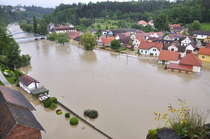 Overstromende rivier royalty-vrije stock foto's