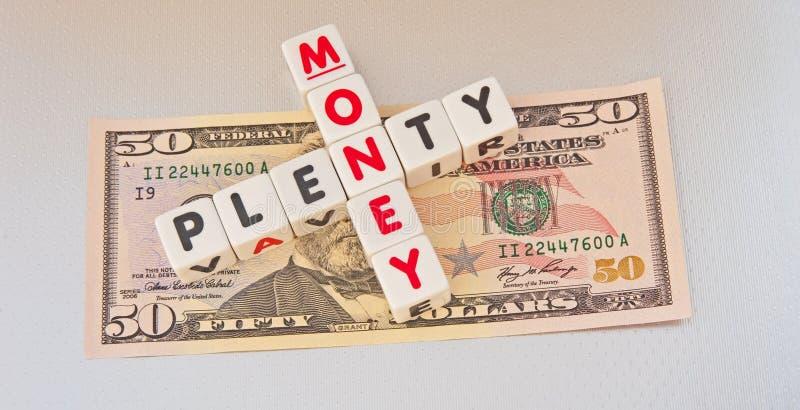 Overvloed van geld; Amerikaanse dollars royalty-vrije stock foto