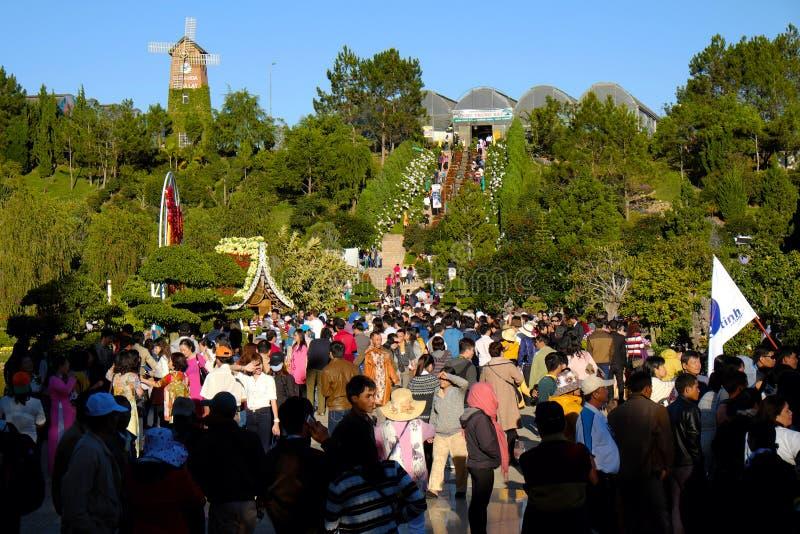 Overvol, Dalat-bloempark, festival, de lente, toerist stock fotografie