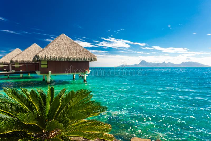 Overwater平房,塔希提岛,法属玻里尼西亚 免版税库存图片